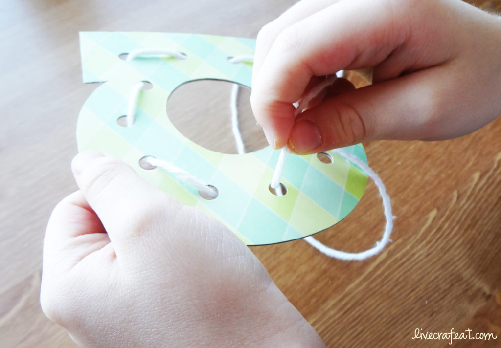 diy lacing cards for kids
