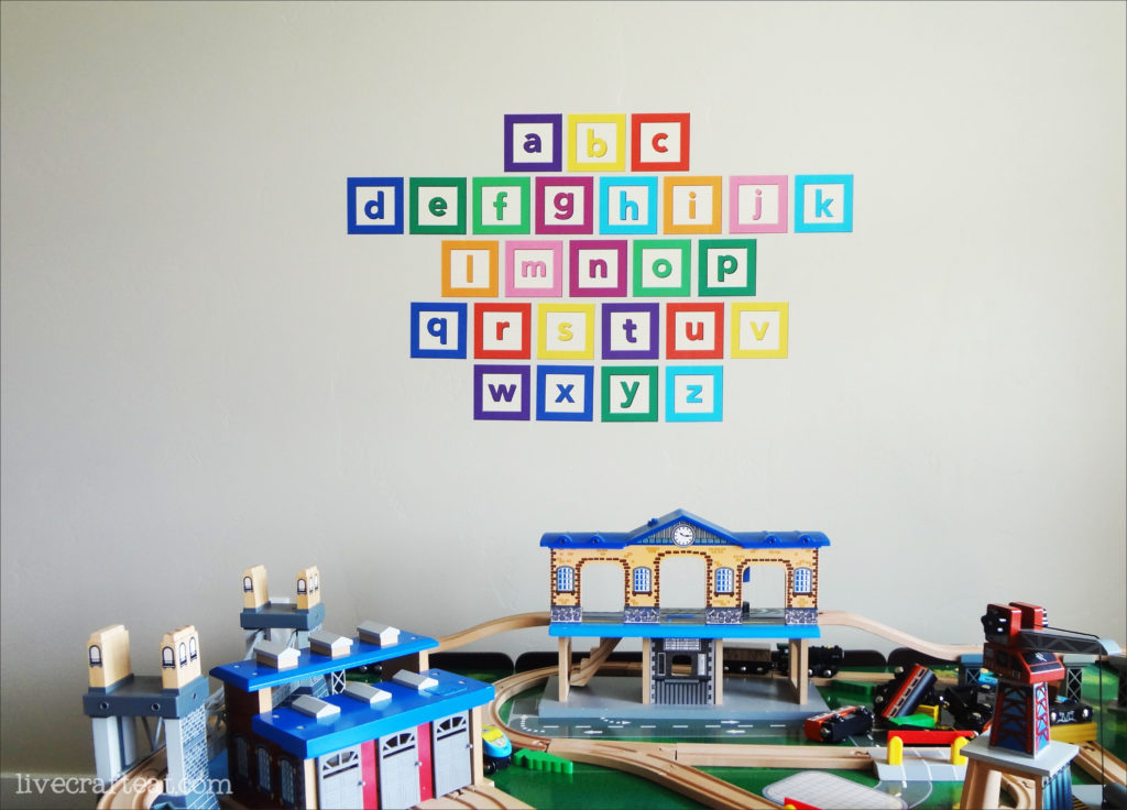 use these removable alphabet vinyl wall decals to decorate your kids playroom, bedroom, or nursery. so fun and so cute!