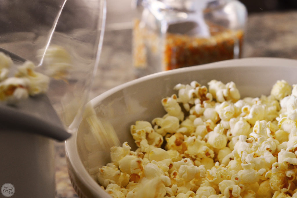 this is such an easy caramel popcorn recipe!