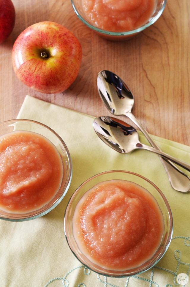100% natural and sugar-free homemade applesauce recipe
