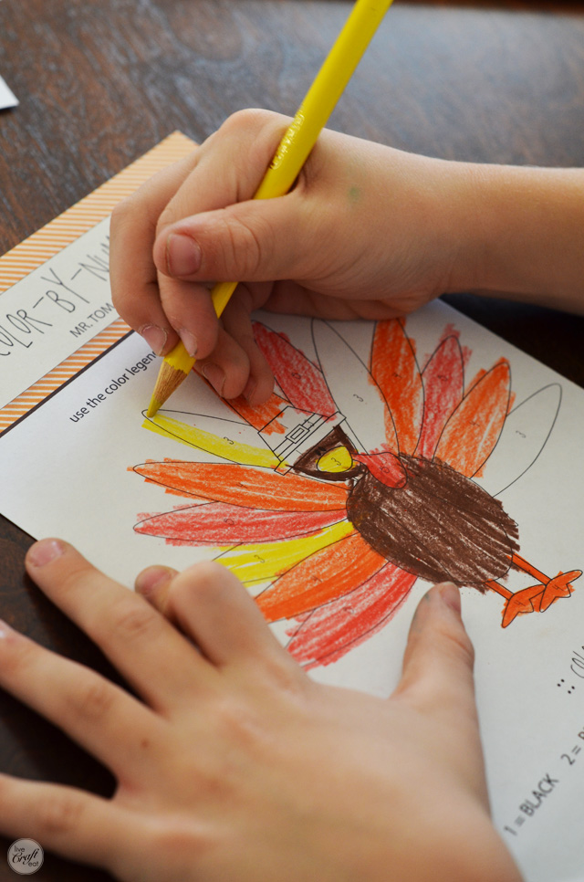 color-by number :: free printable thanksgiving activities for kids