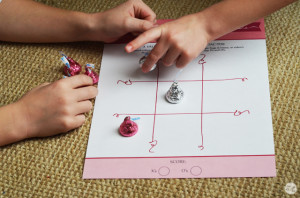 free printable valentine's day tic-tac-toe board game for kids :: perfect for valentine's day!