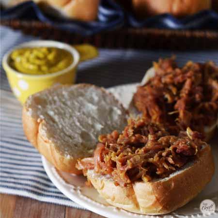 pulled pork sandwiches 450x450