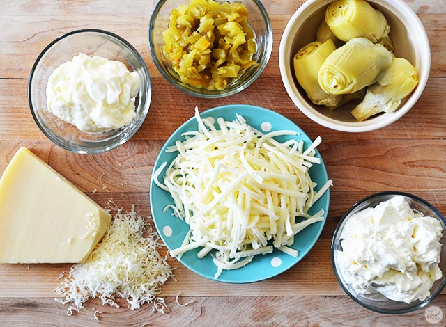 artichoke dip ingredients - simple ingredients, amazing dip!