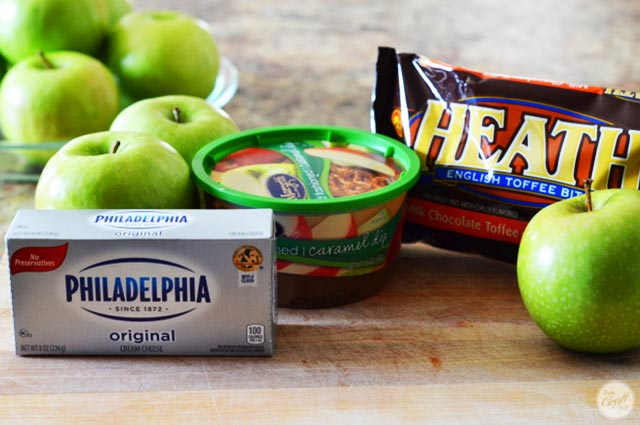 3 simple ingredients for an amazing caramel & cream cheese apple dip.