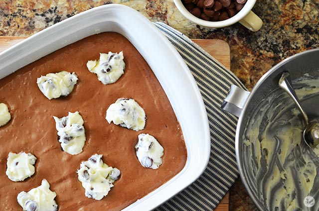 chocolate cream cheese cake bars
