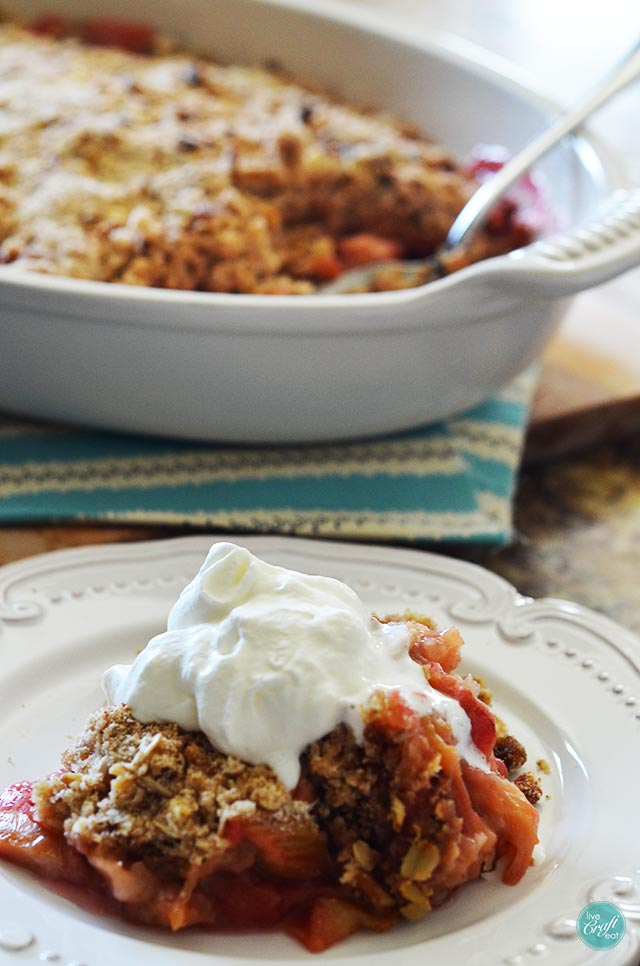 a favorite springtime recipe - rhubarb crisp!
