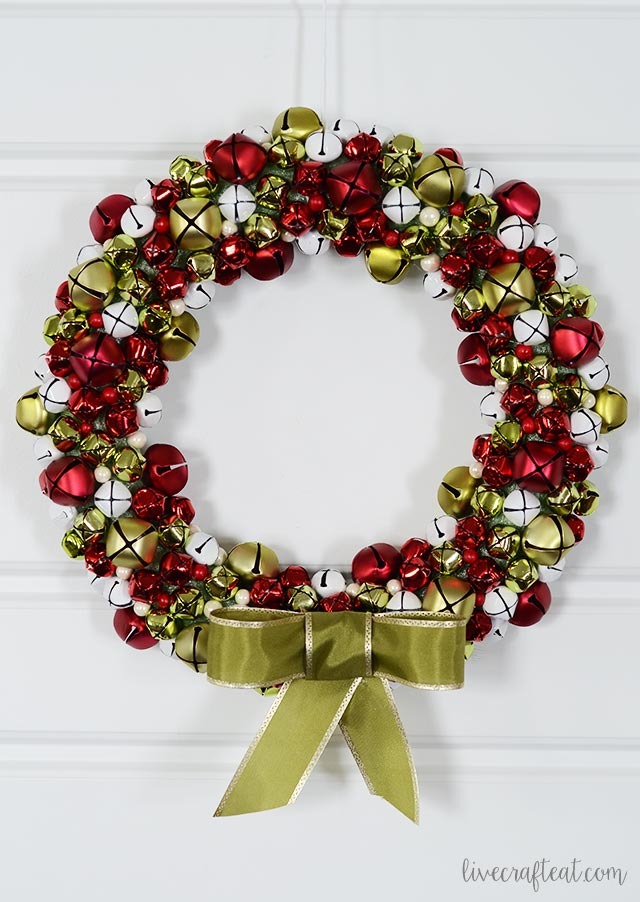 an easy, beautiful, and pretty-sounding way to decorate your door or home for the christmas season!